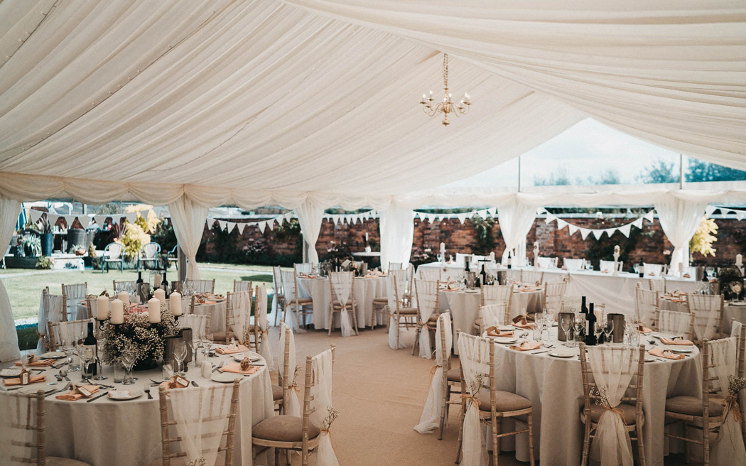 Coco wedding venues slideshow - relaxed-country-house-wedding-venues-in-wales-willington-lodge-will-fuller-photo-001