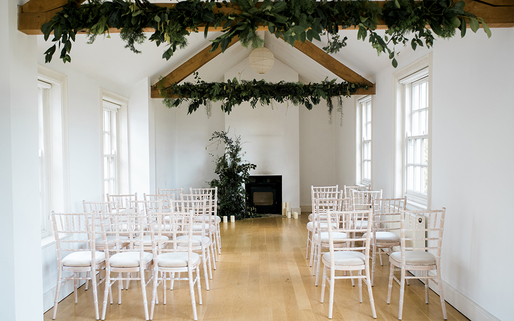 Coco wedding venues slideshow - flexible-country-house-wedding-venues-in-gloucestershire-twyning-park-captured-by-katrina-002