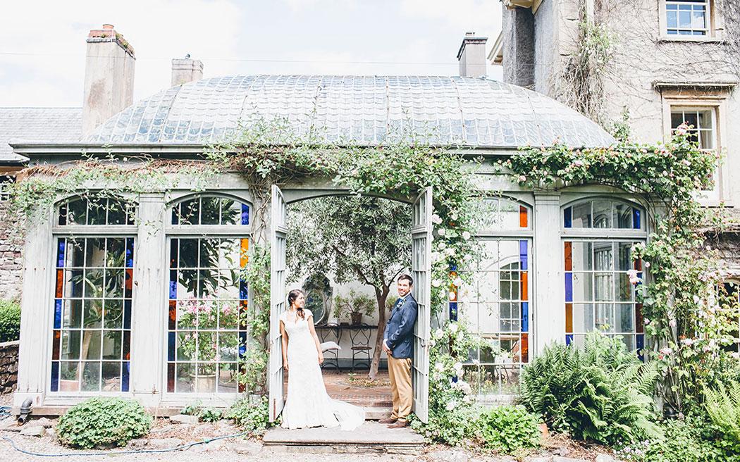 Coco wedding venues slideshow - rustic-wedding-venues-in-wales-penpont-lemonade-pictures-002