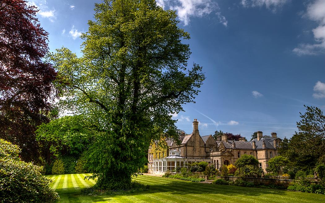Coco wedding venues slideshow - mansion-wedding-venues-in-derbyshire-stancliffe-hall-leigh-mcara-004