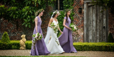 norfolk-wedding-inspiration-and-suppliers-hales-hall-and-the-great-barn-46