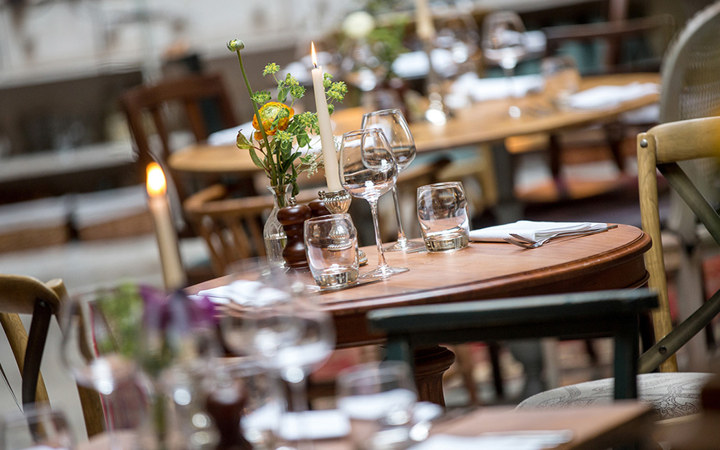 Coco wedding venues slideshow - pub-wedding-reception-venues-in-london-the-bull-and-gate-kentish-town-001