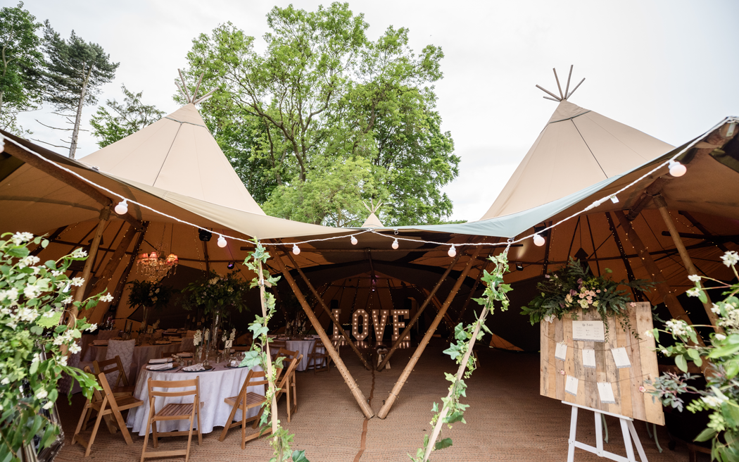 Coco wedding venues slideshow - marquee-tipi-wedding-venue-in-northamptonshire-east-midlands-pipewell-hall-004