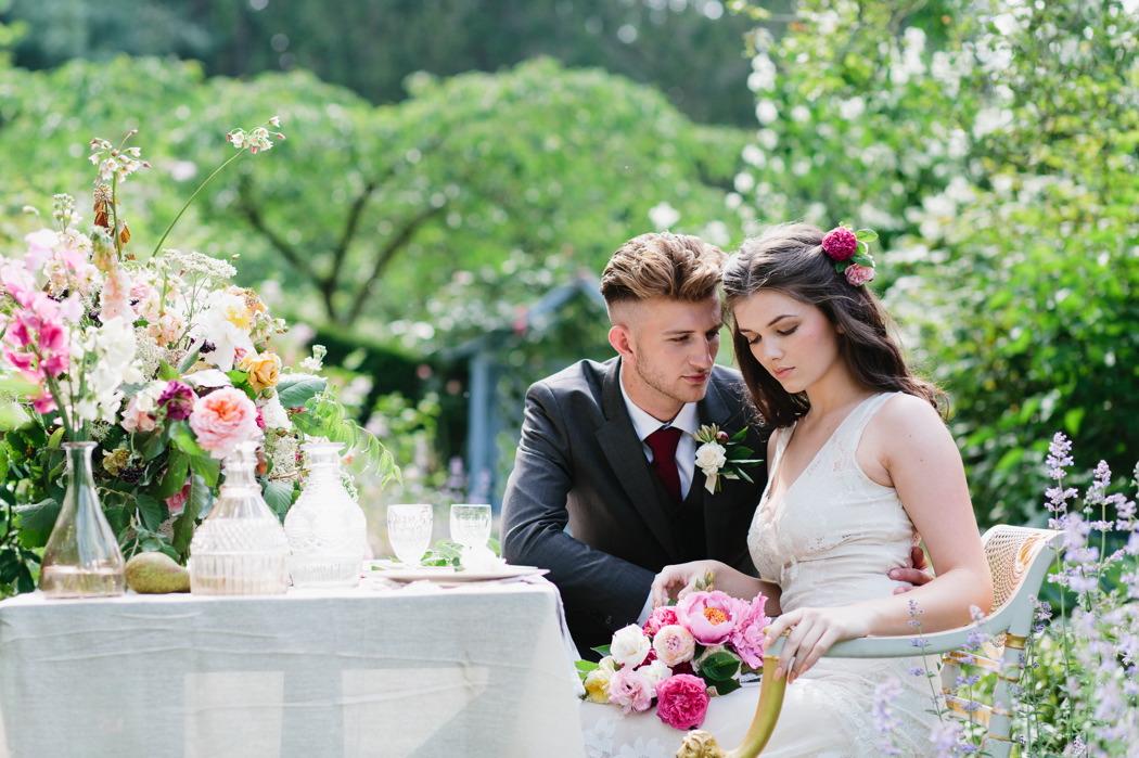 summer-wedding-inspiration-at-dorfold-hall-cheshire-wedding-venue-jade-osborne-34