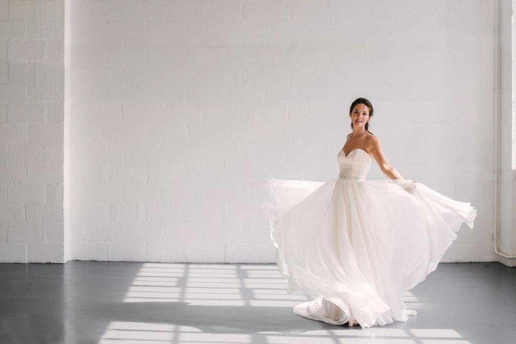 celestial-wedding-dress-inspiration-naomi-neoh-collection-2018-auorora-and-ginko-belt-2