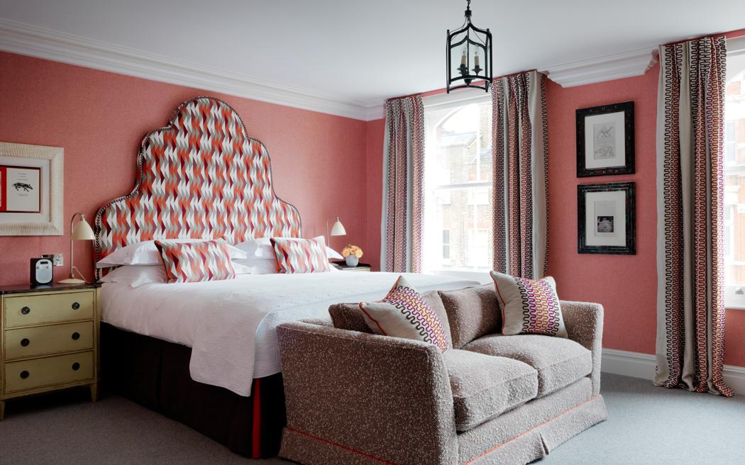 Coco wedding venues slideshow - contemporary-hotel-wedding-venues-in-london-charlotte-street-hotel-001