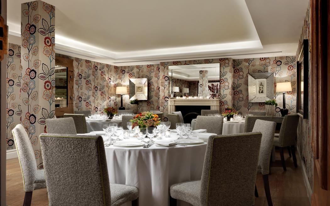 Coco wedding venues slideshow - contemporary-hotel-wedding-venues-in-london-charlotte-street-hotel-002