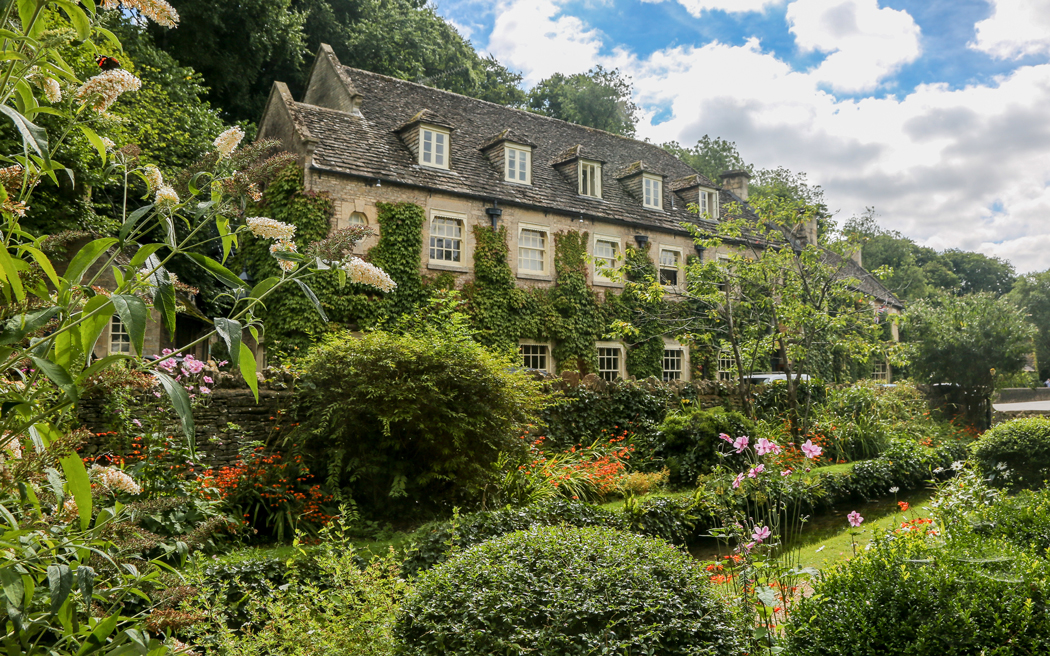 Coco wedding venues slideshow - quintessentially-english-cotswold-wedding-venue-the-swan-hotel-bibury-gloucestershire-001