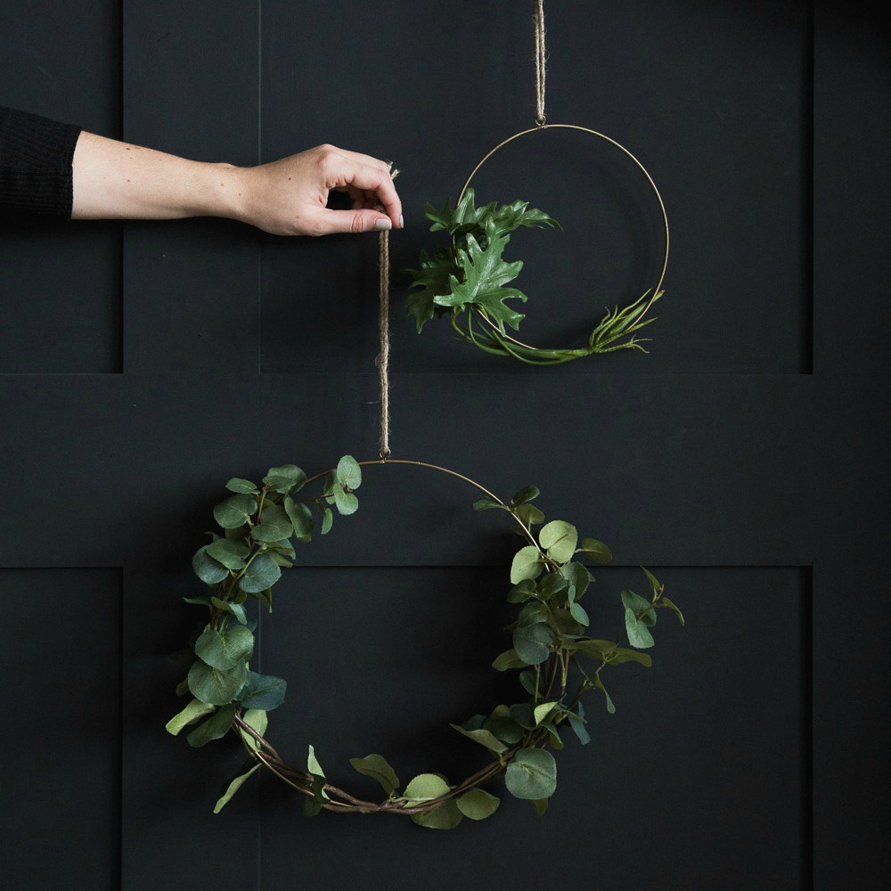 Hanging Wire Ring