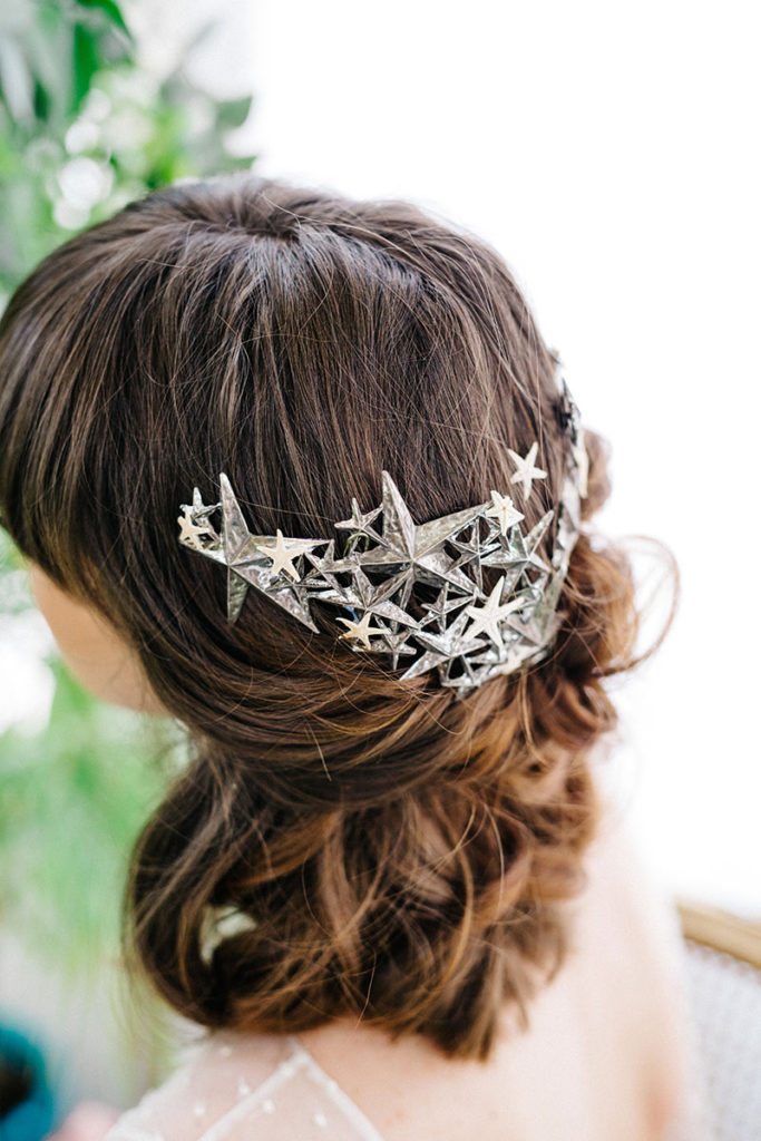 Image by Diez & Bordons via Rock My Wedding | Headpiece by Alial.