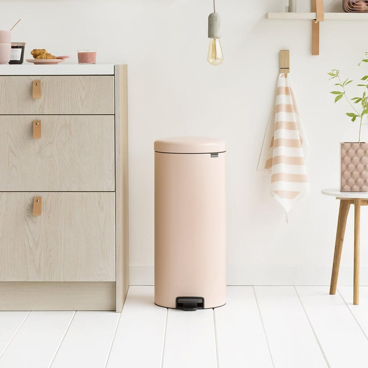 NewIcon Pedal Bin, Clay Pink, 30 Litre