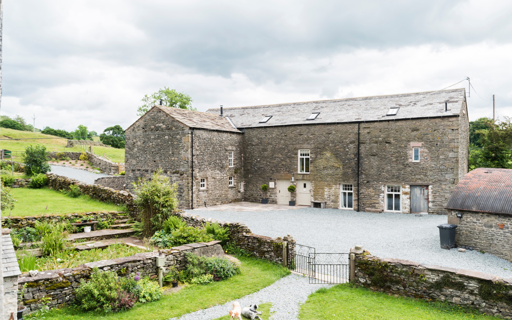 Coco wedding venues slideshow - barn-wedding-venues-in-cumbria-the-malabar-001