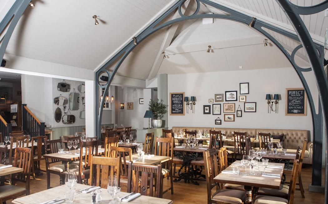 Coco wedding venues slideshow - pub-wedding-venues-in-surrey-the-barley-mow-004
