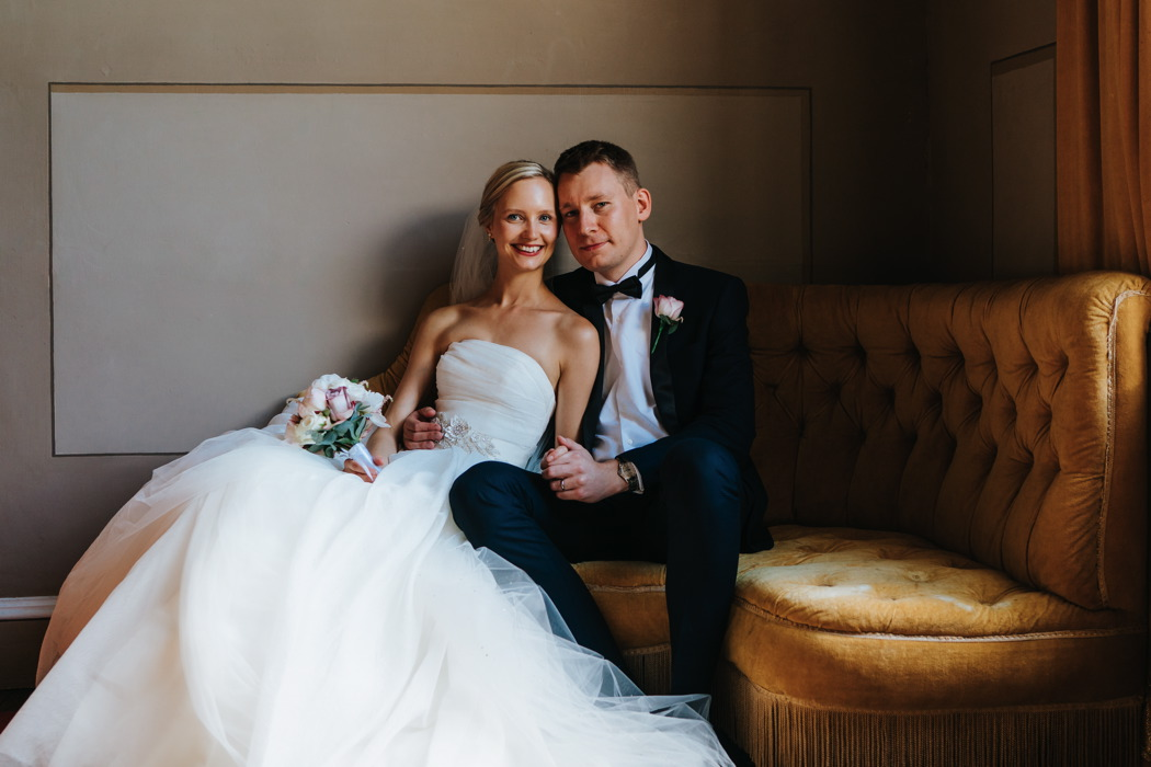 classic-country-house-wedding-with-bride-in-vera-wang-avington-park-hampshire-67