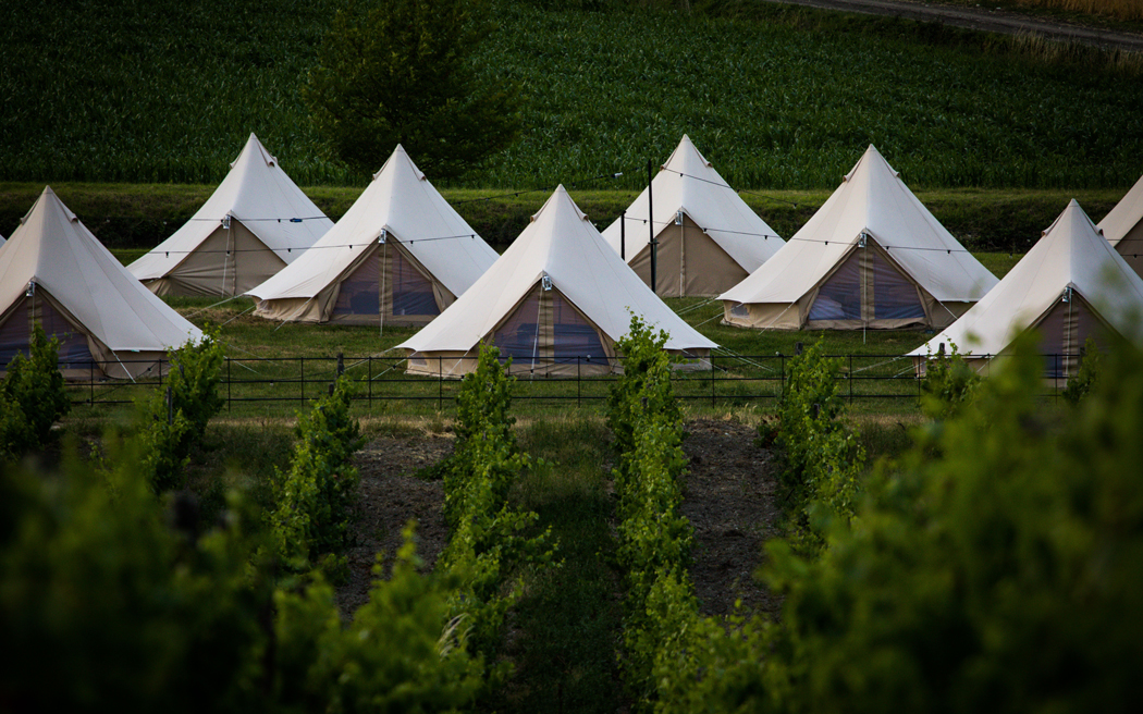 Coco wedding venues slideshow - luxurious-glamping-accommodation-for-weddings-portobello-bell-tents-charles-audley-photography-001