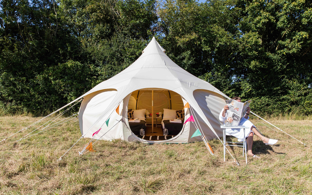 Coco wedding venues slideshow - luxurious-glamping-accommodation-for-weddings-portobello-bell-tents-james-hawley-photography-003
