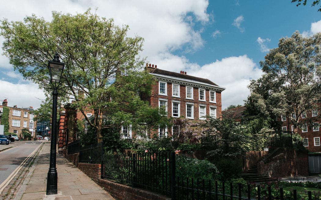 Coco wedding venues slideshow - historic-townhouse-wedding-venue-in-london-burgh-house-michael-maurer-001