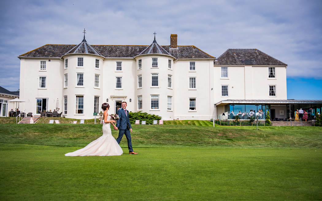 Coco wedding venues slideshow - country-house-hotel-wedding-venue-in-the-cotswolds-tewkesbury-park-jack-boskett-001
