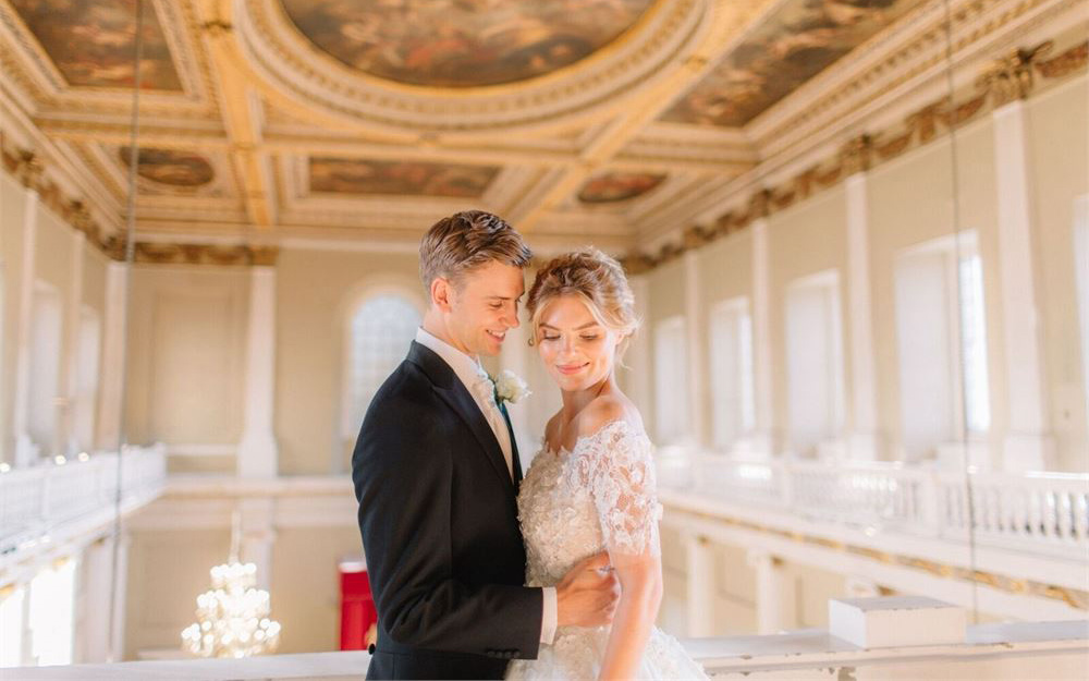 Coco wedding venues slideshow - grand-historic-wedding-venues-in-central-london-banqueting-house-holly-clark-photography-002