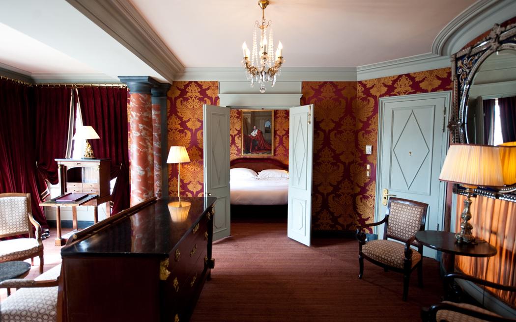 Coco wedding venues slideshow - intimate-and-elopement-destination-wedding-venue-in-paris-l-hotel-002