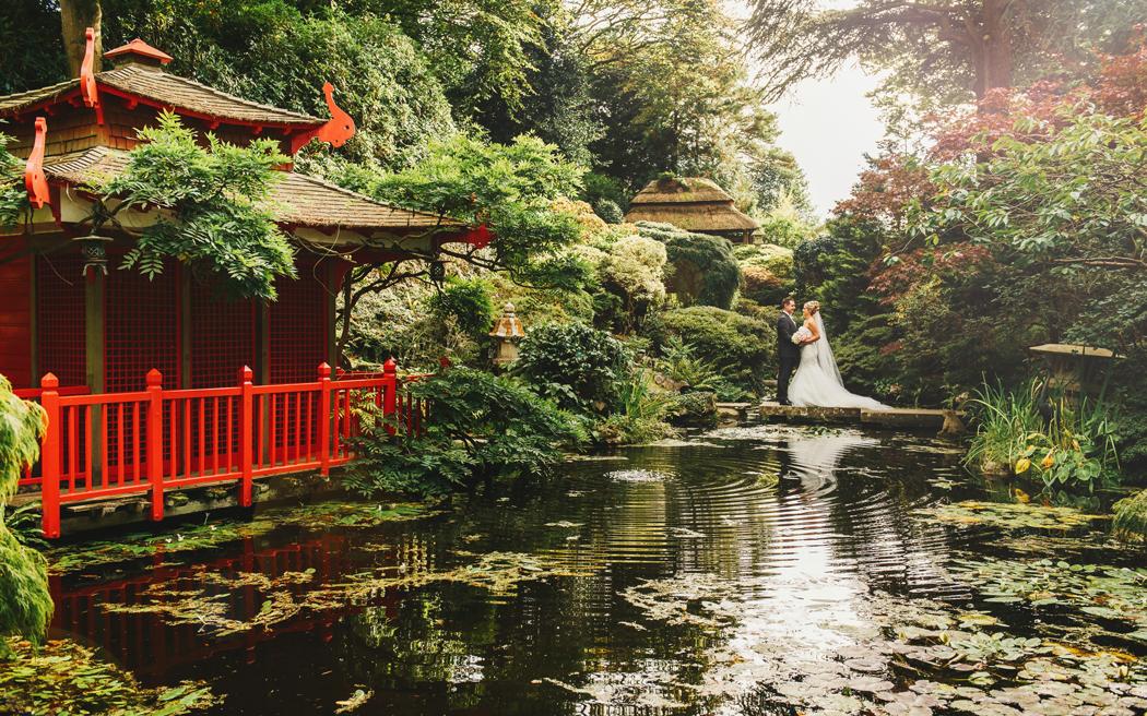 Coco wedding venues slideshow - quirky-garden-wedding-venues-in-dorset-bournemouth-poole-the-italian-villa-samantha-davis-photography-006