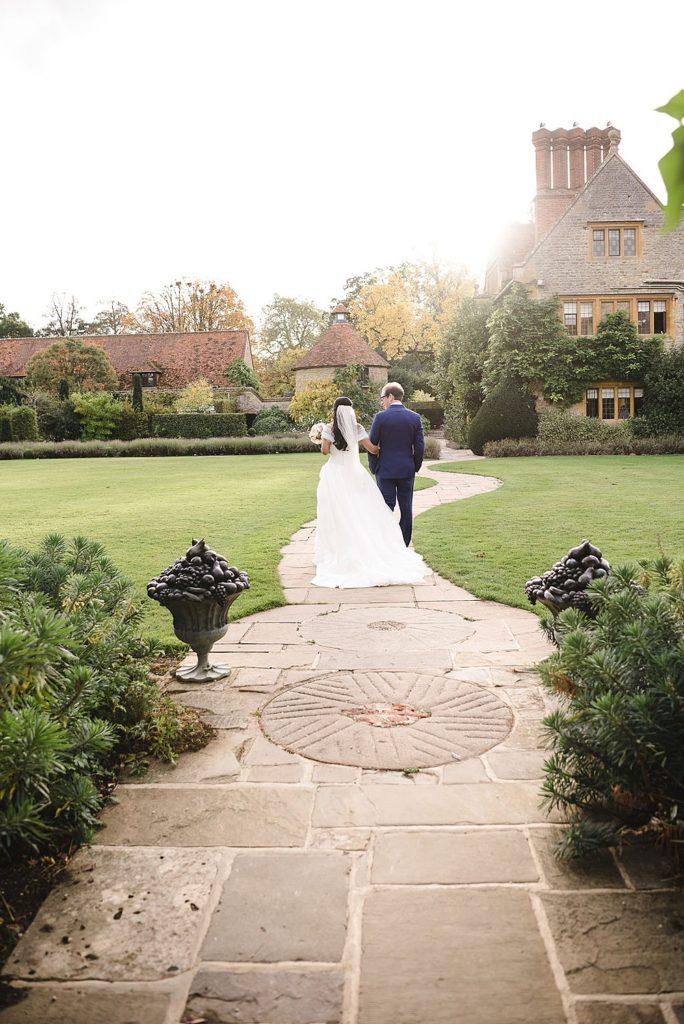 Image by www.weddingsbynicolaandglen.com.