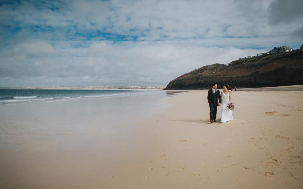Coco wedding venues slideshow - beach-wedding-venues-in-cornwall-carbis-bay-estate-001