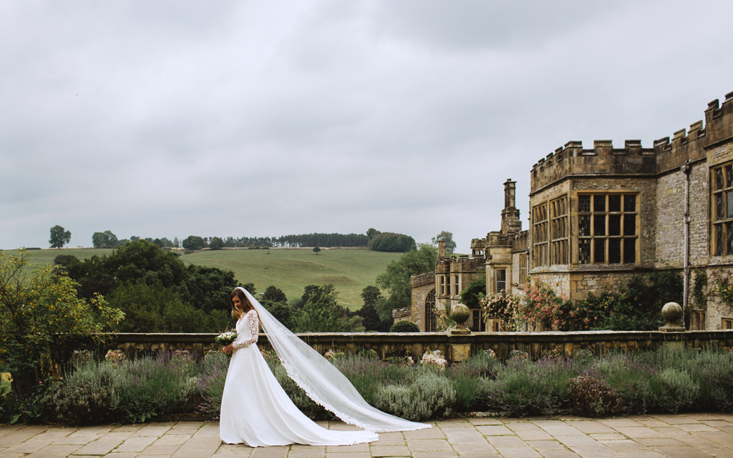 Coco wedding venues slideshow - stately-home-wedding-venues-in-derbyshire-haddon-hall-002