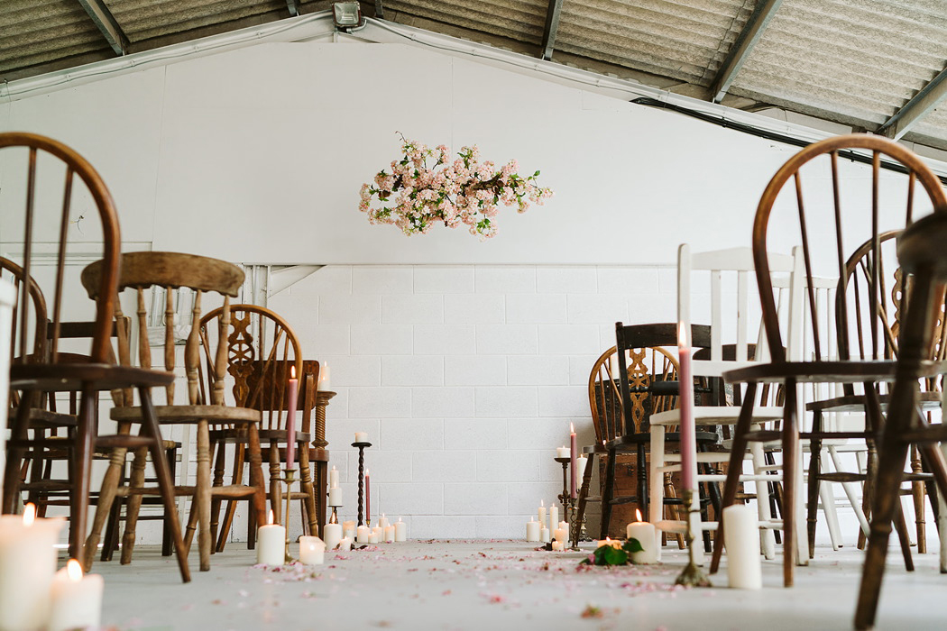 blank-canvas-barn-wedding-venue-in-hampshire-the-barn-at-avington-open-day-feature