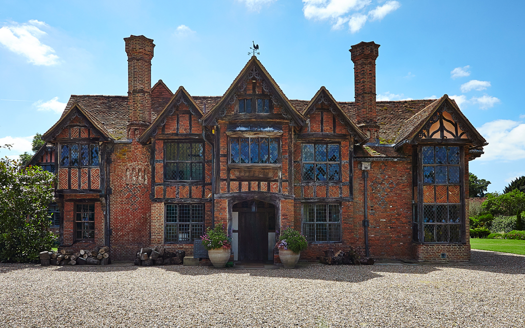 Coco wedding venues slideshow - wedding-venues-in-buckinghamshire-dorney-court-PHOTO-004