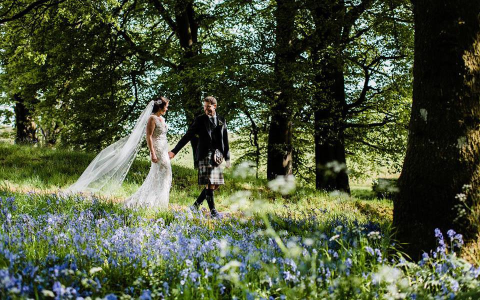 Coco wedding venues slideshow - castle-wedding-venues-in-scotland-rowallan-castle-andrew-rae-photography-005