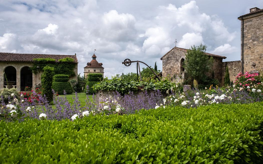 Coco wedding venues slideshow - chateau-wedding-venues-in-france-château-du-fréchou-firehorse-photography-004