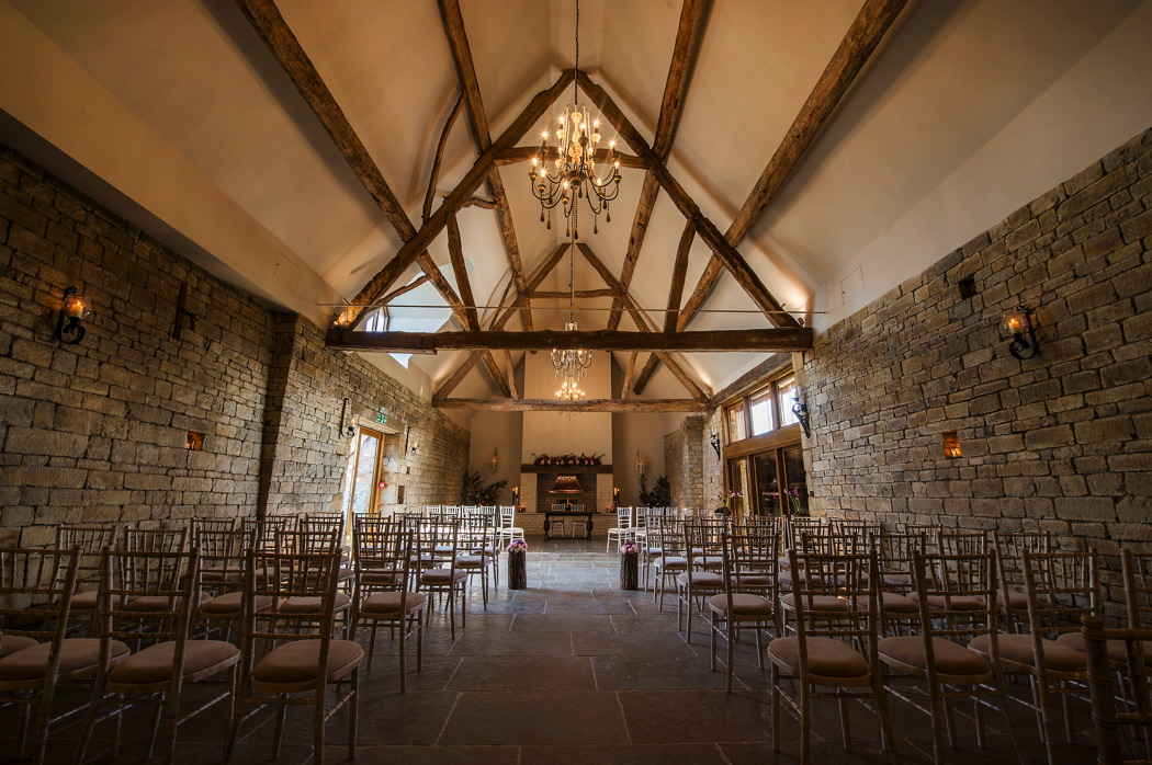 contemporary-barn-wedding-venues-in-warwickshire-blackwell-grange
