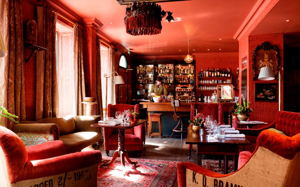 Coco wedding venues slideshow - boutique-hotel-wedding-venue-in-london-the-zetter-townhouse-clerkenwell-andreas-von-einsiedel-002