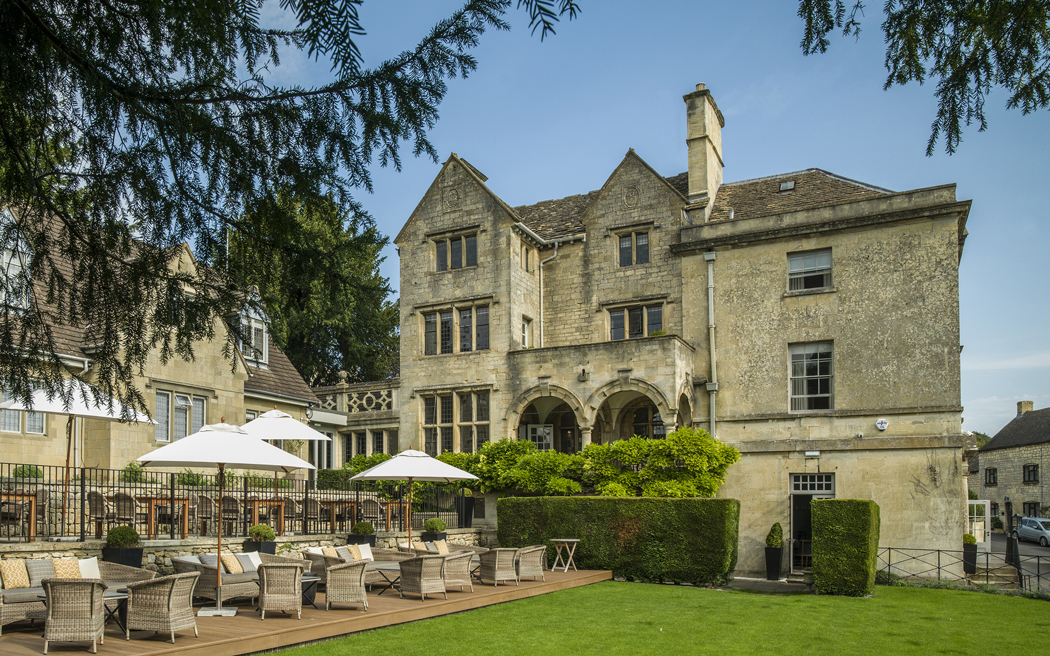 Coco wedding venues slideshow - exclusive-use-country-house-cotswold-wedding-venue-the-painswick-001