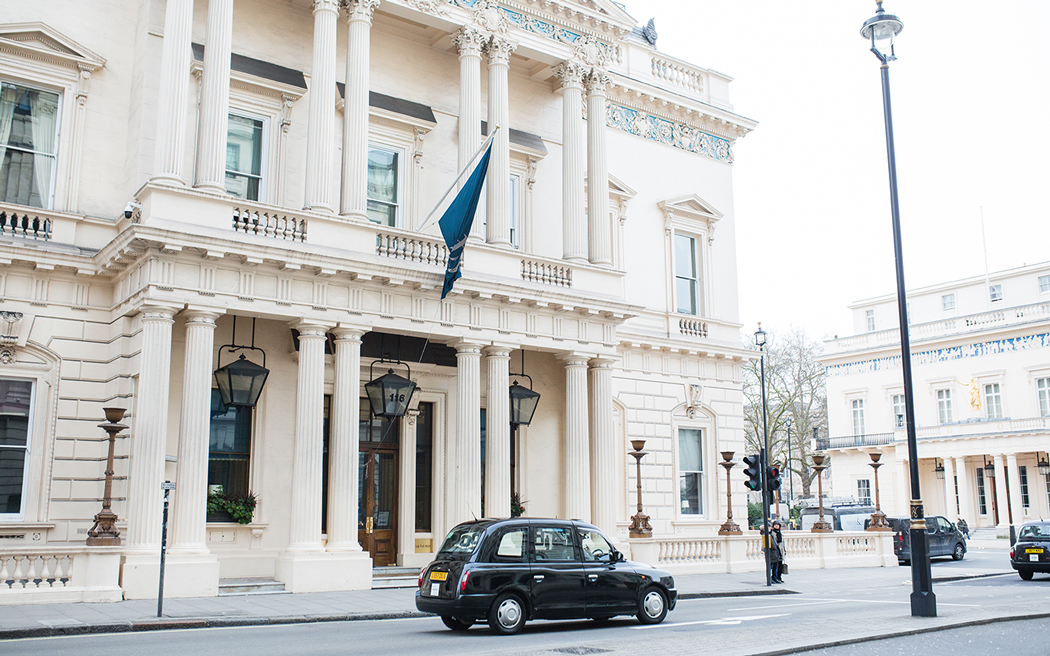 Coco wedding venues slideshow - elegant-central-london-wedding-venue-116-pall-mall-cecelina-photography-001