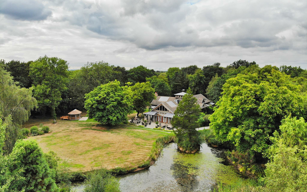 Coco wedding venues slideshow - Barn Wedding Venue in Cheshire - The Oak Tree of Peover.