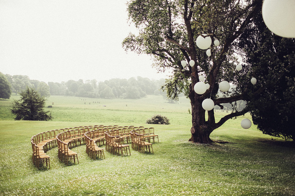 Image by Flowertoss Weddings.