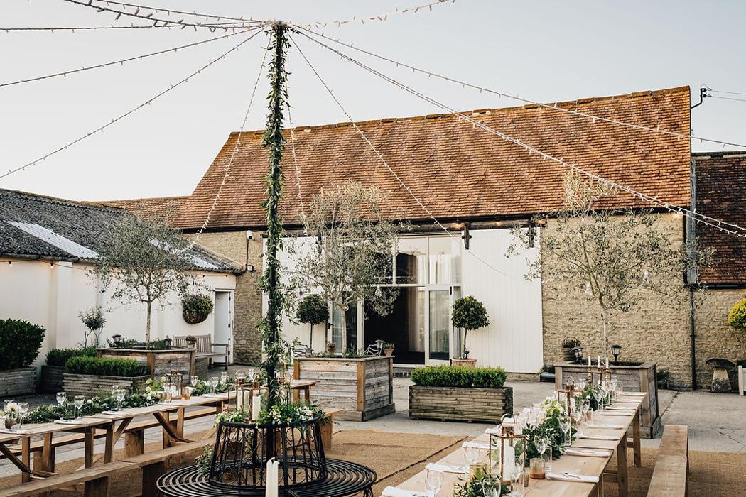 Stratton Court Barn - A Hidden Gem in North Oxfordshire.