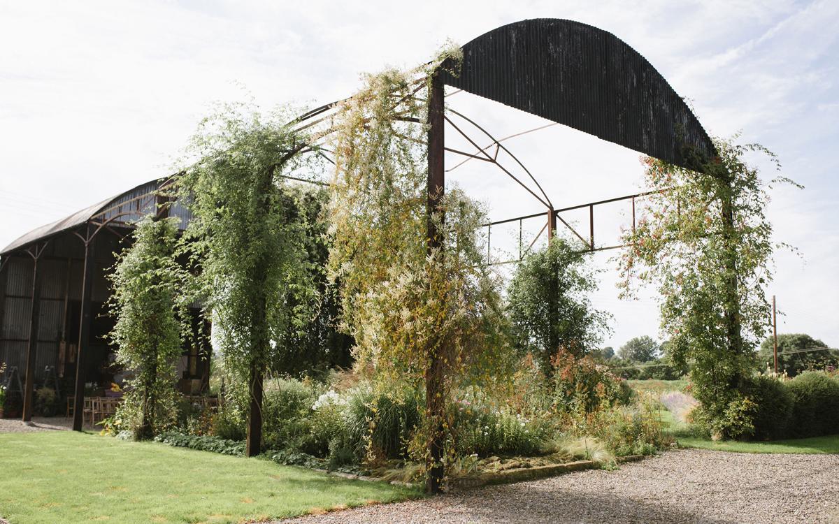 Coco wedding venues slideshow - Garden and Barn Wedding Venue in Worcestershire - Field Farm