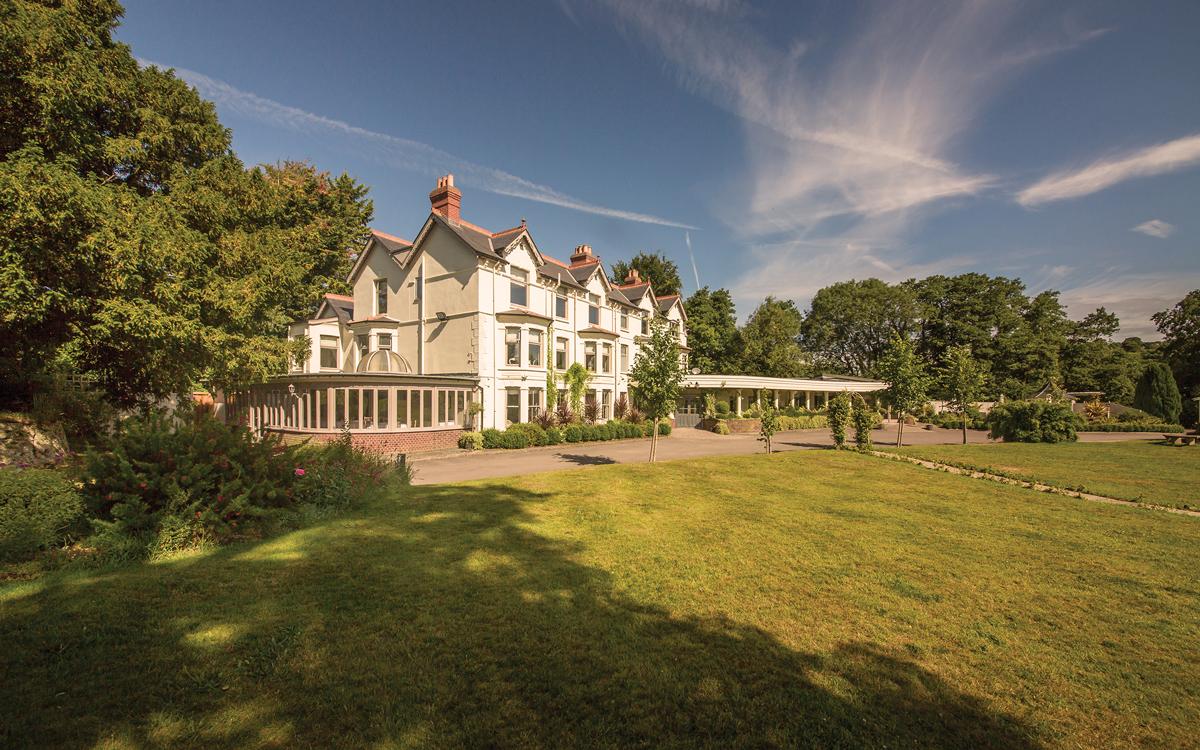 Coco wedding venues slideshow - Wedding Venue near Brighton - Southdowns Manor