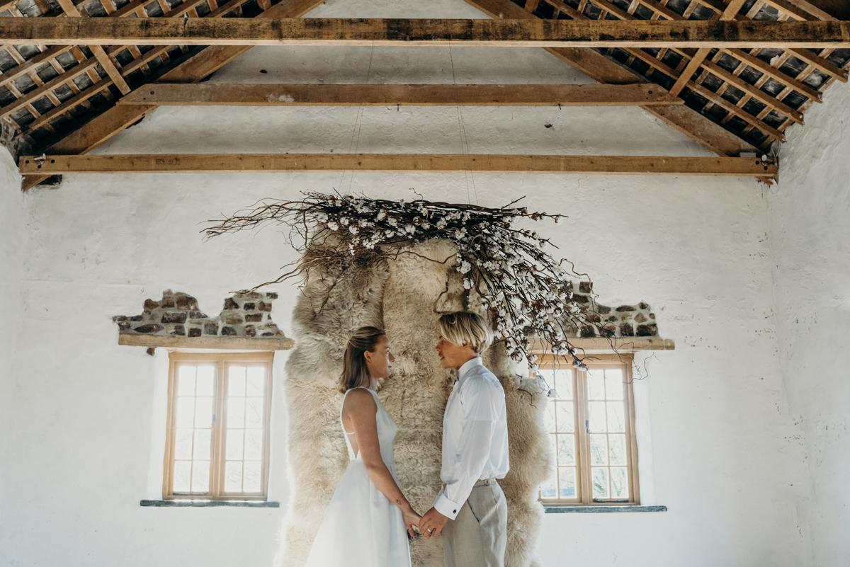 A Modern Barn Wedding at Launcells Barton - Neutral Wedding Inspiration