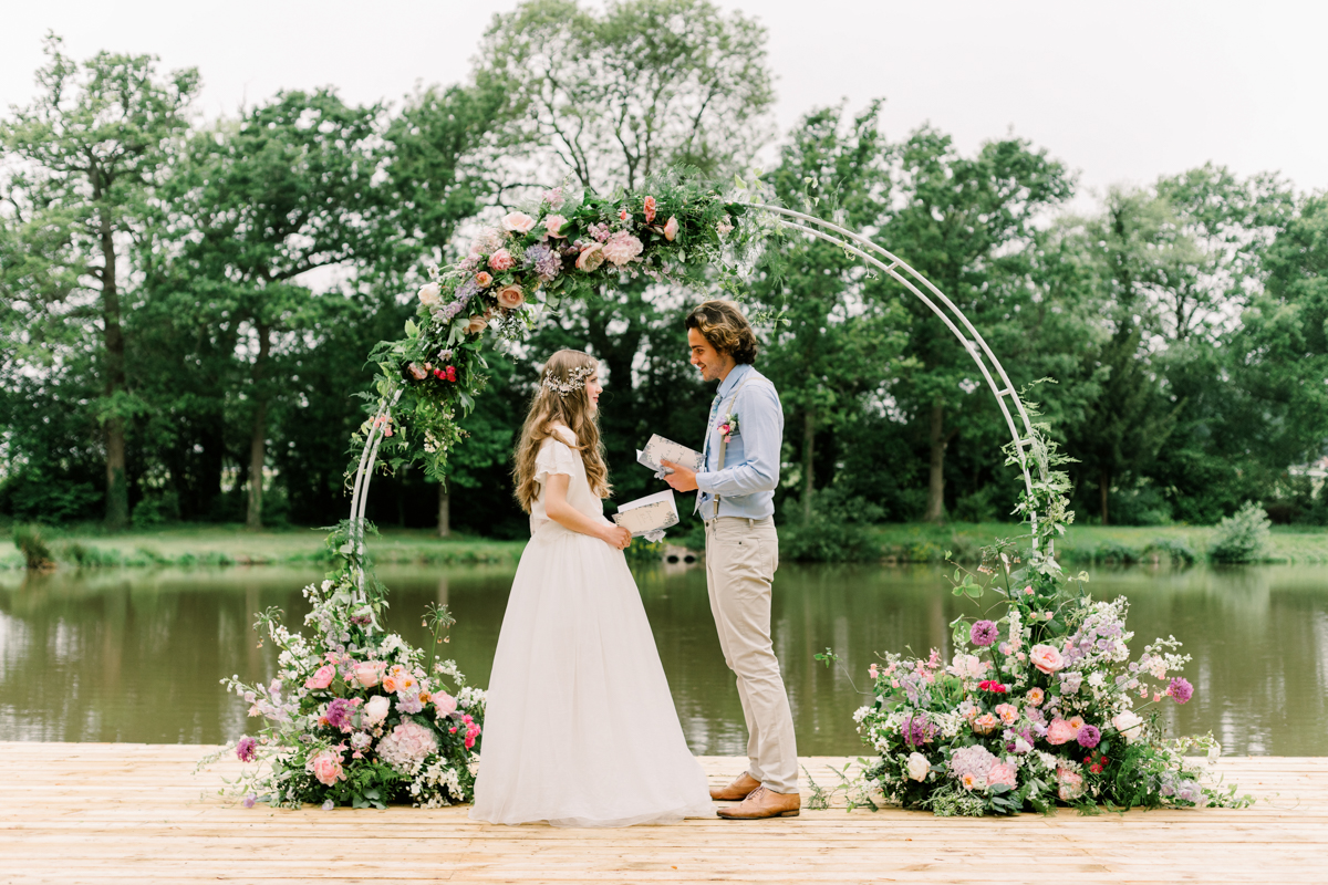 Spring Wedding Inspiration at Barns & Yard in Worcestershire