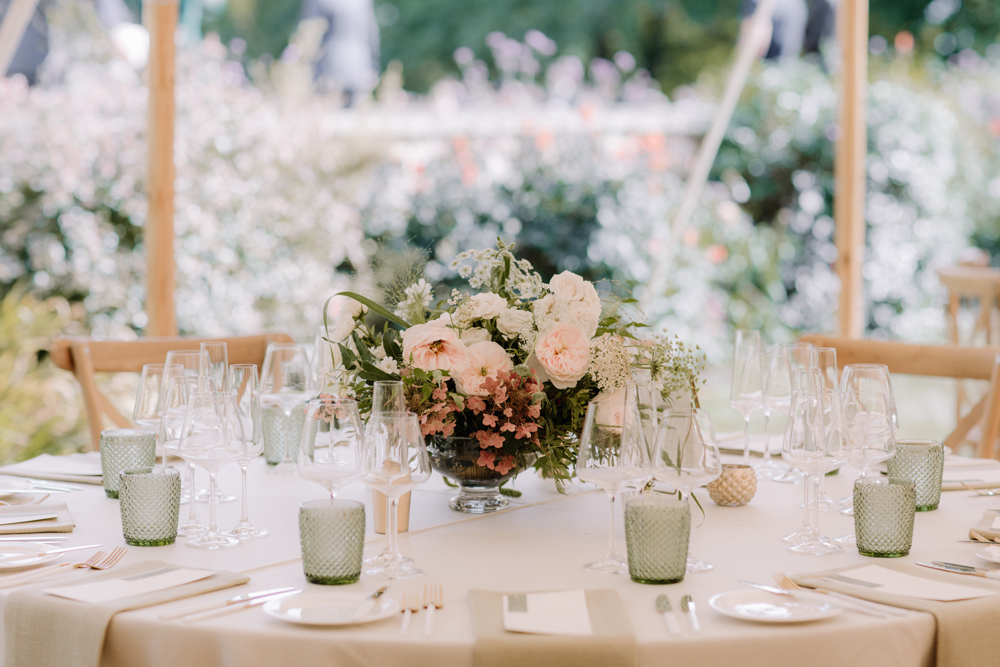 Image by Rebecca Goddard Photography | Wedding Planning by Natalie Hewitt.