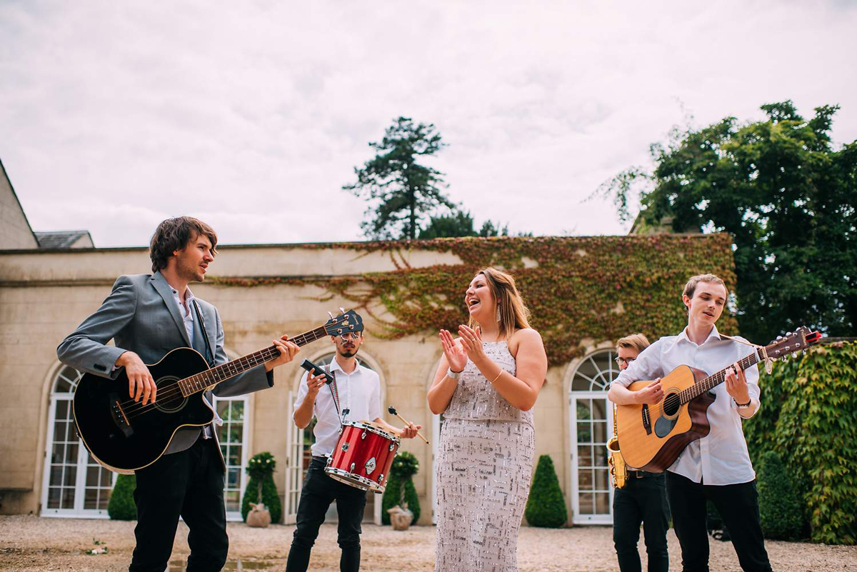 Finding Your Wedding Band with Last Minute Musicians